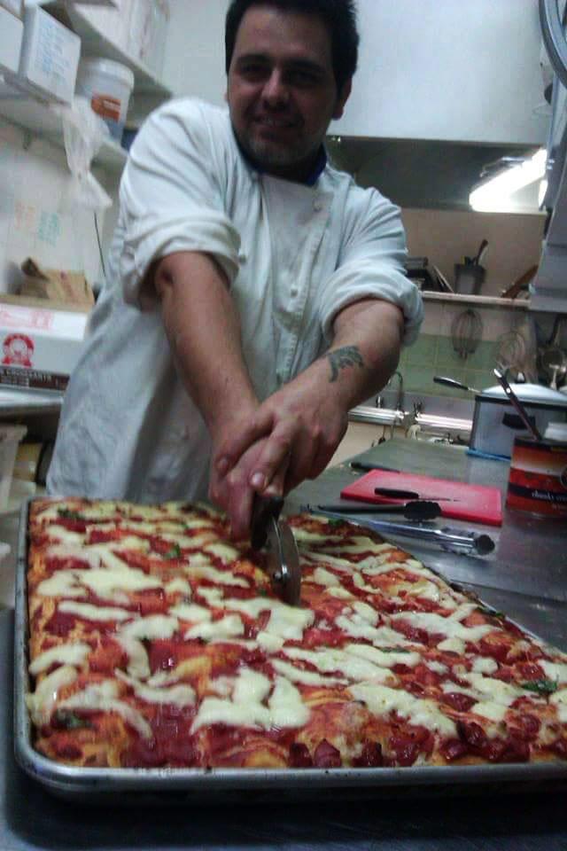 pizza-night-at-pieross-cafe